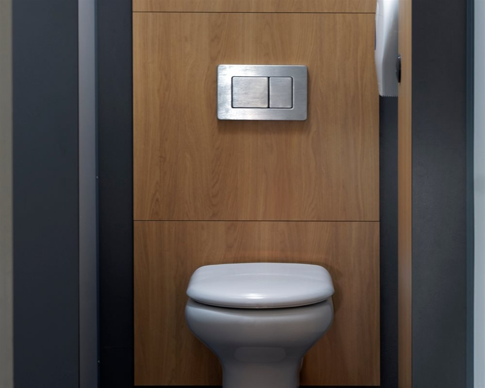 The Copper Kettle inside toilet cubicle with Chartham WC