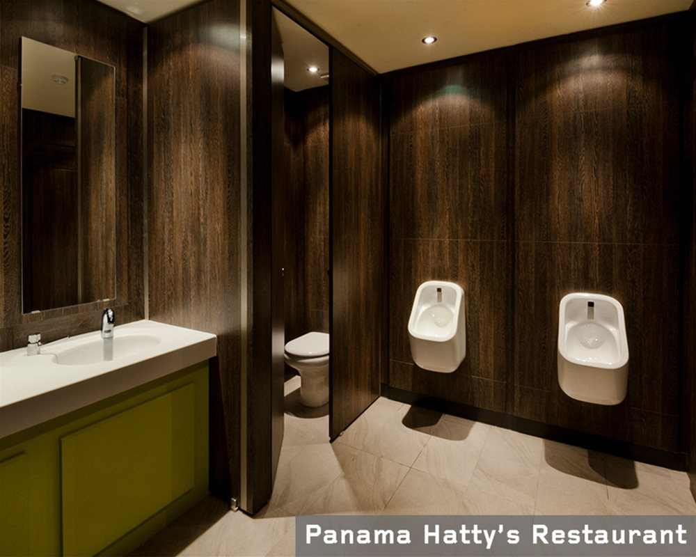 Panama Hatty Restaurant Toilets